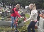SKC -akcja sprzątania cmentarza